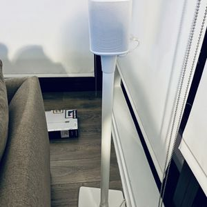 Sanus Sonos Speaker Stand (White, WSS21-W1) for Sale in Arlington, VA