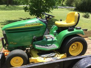 John Deere gt235 lawn tractor for Sale in Thaxton, VA
