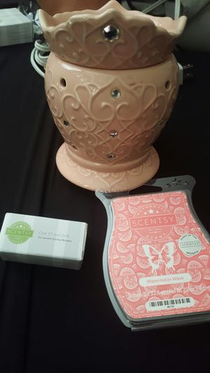 Scentsy Princess Warmer and Wax for Sale in Glendora, CA