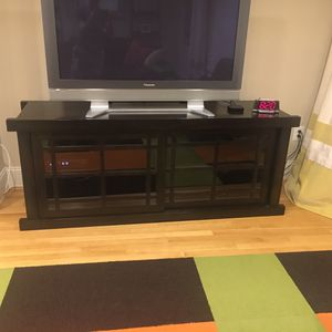 Wood tv console table for Sale in Bethesda, MD