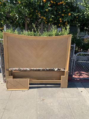 FREE!! Wood headboard with footboard and side rails for Sale in San Jose, CA