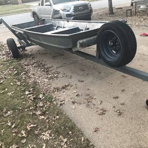 14' Aluminum Flat bottom jon boat and HD trailer for Sale in DFW Airport, TX