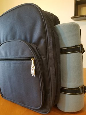 Picnic backpack w/blanket for Sale in Lockport, IL