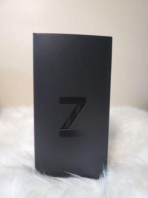 Unlocked Samsung Galaxy Z-Flip (Brand New) for Sale in Elk Grove Village, IL