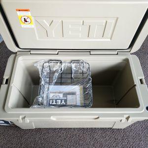 YETI TUNDRA 75 COOLER for Sale in Covina, CA