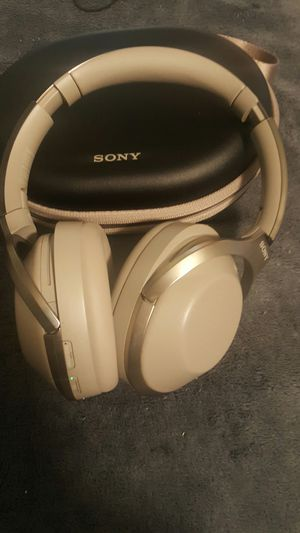 Sony - WH-1000XM3 Wireless Noise Canceling Over-the-Ear Headphones.. for Sale in Seattle, WA