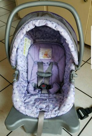 SAFETY 1ST WINNIE THE POOH CARSEAT for Sale in Downey, CA