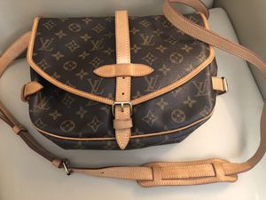 Auth LOUIS VUITTON Monogram Saumur 30 for Sale in Germantown, MD