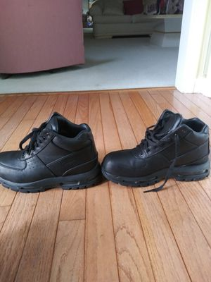 Plain black nike boots(Size 8) for Sale in Upper Marlboro, MD