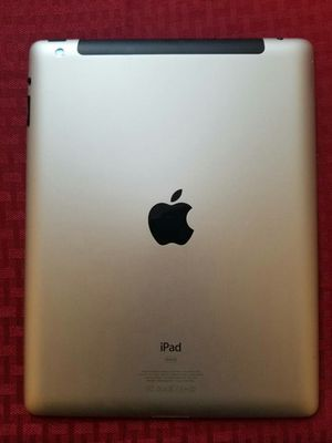 iPad 2 , 2nd Generation Generation.  9.7 inch big size iPad ( Usable with Wi-Fi) for Sale in Springfield, VA
