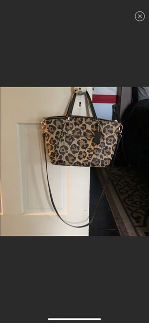 Leopard print Cross body COACH purse for Sale in Ijamsville, MD
