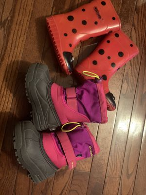 Columbia Winter shoes and rain shoe for girls size 9 for Sale in Sykesville, MD