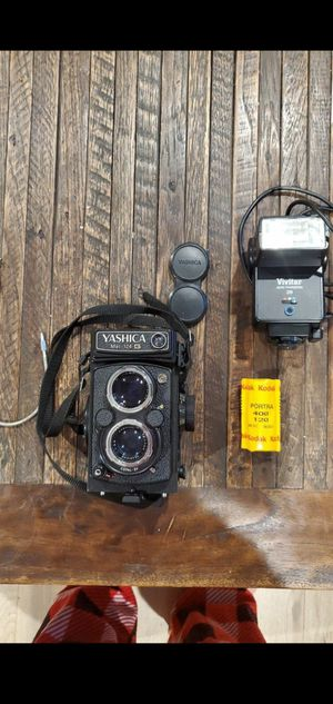 Yashica mat 124g for Sale in Torrance, CA
