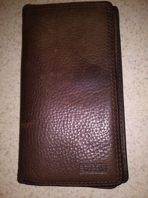 Fossil Brown Leather Checkbook Wallet for Sale in Snellville, GA