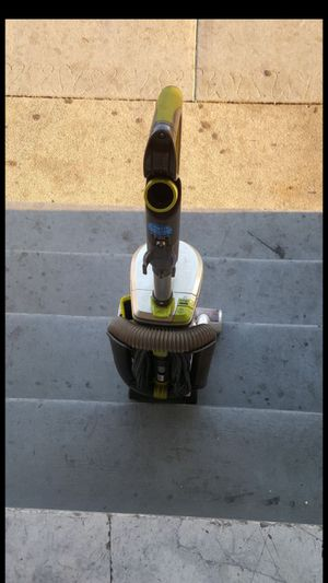 Hoover vacuum cleaner air Lite Bagless for Sale in Long Beach, CA