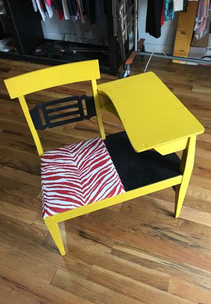 Antique refurbished gossip chair for Sale in Philadelphia, PA