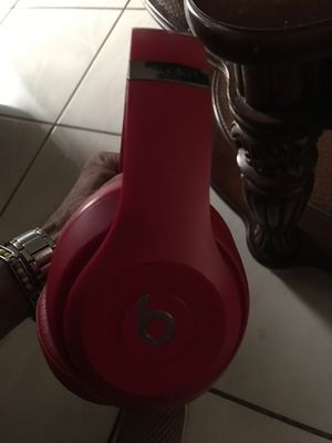 Beats studio head phones for Sale in Hialeah, FL