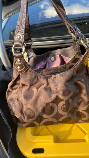 Brown coach bag AUTHENTIC for Sale in Winthrop, MA