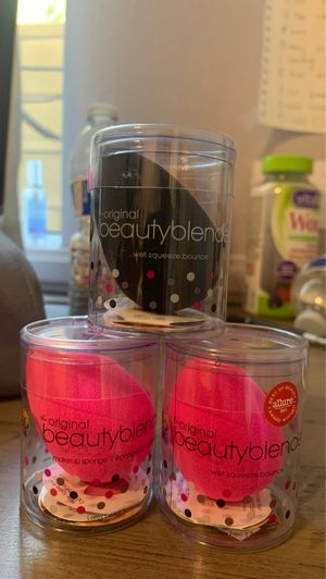 Brand new beauty blender batch of 3 for Sale in Burbank, CA