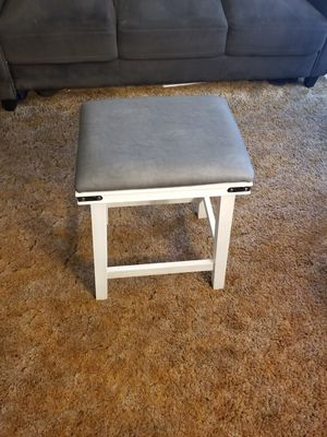 Counter stool for Sale in Fresno, CA