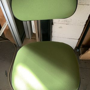 Desk chair for child or children's desk for Sale in Fresno, CA