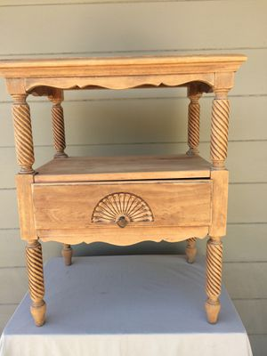 NIGHT STAND / END TABLE. MID CENTURY. Solid Maple Wood. 1 Drawer. 22x16x28h. Excellent Condition. Pick up in Escondido. $35.00 for Sale in Escondido, CA