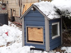 Deluxe dog house for Sale in Detroit, MI