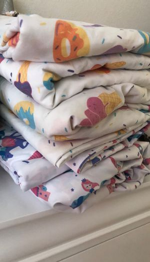 Bed sheets for twin bed *** for Sale in Adelanto, CA