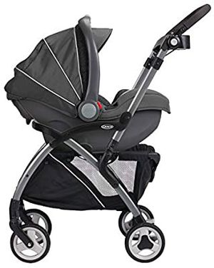 NEW Graco SnugRider Carrier with SnugRide® Click Connect™ 30 Infant Car Seat for Sale in Sacramento, CA