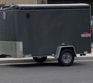 6x10 enclosed trailer single axle for Sale in Riverside, CA