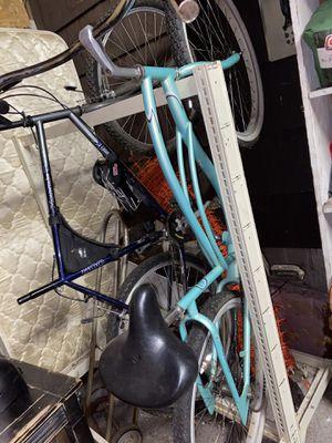 2 bikes for sale trek 800 beach cruiser for Sale in Lake Oswego, OR