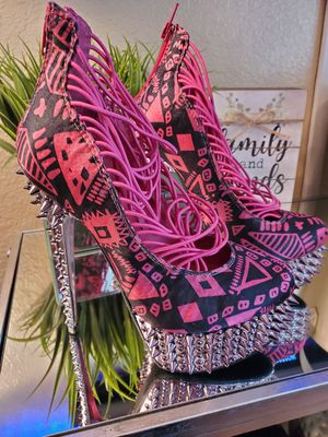 High heels with spikes size 6, new. for Sale in El Paso, TX