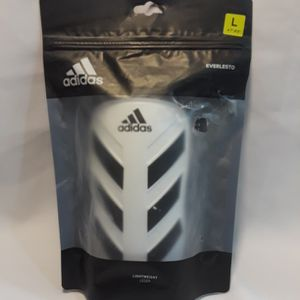 Adidas EVERLESTO SHIN GUARDS for Sale in Rialto, CA