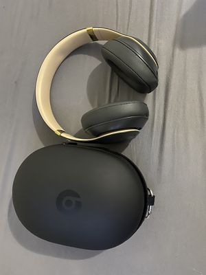 Beats studio 3 wireless for Sale in New York, NY