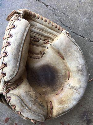 Catcher's baseball glove Spalding for Sale in Cerritos, CA