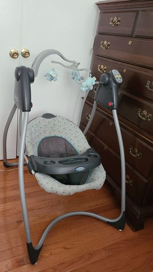 Graco electric baby swing for Sale in Germantown, MD