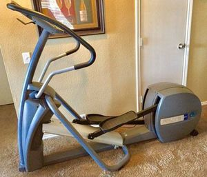 Precor EFX 5.21i Elliptical Cross-Trainer - commercial grade with owners manual and pulse monitor - near new condition . for Sale in Wylie, TX