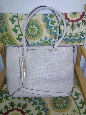 Woman's Purse Tote Bag cream gold W/crossbody Strap for Sale in Schaumburg, IL