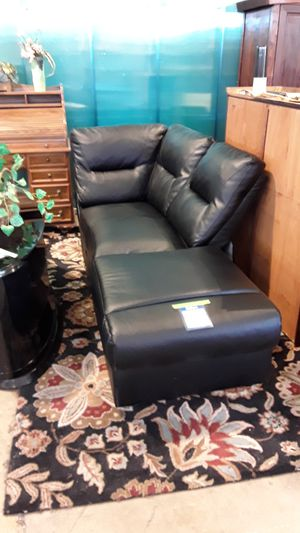 Sectional 2 piece couch for Sale in San Jose, CA