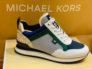 MICHAEL KORS SIZE 6.5 for Sale in Queens, NY