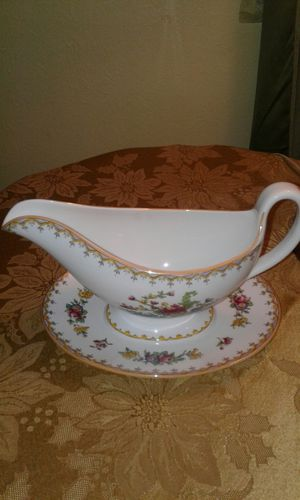 Vintage Spode Copeland China England Peplow R8542 Gravy Boat & Underplate Yellow Trim for Sale in Columbus, OH