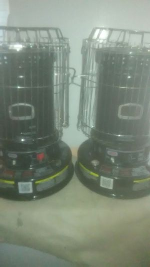 Portable kerosene Heater bundle excellent condition (new) 2 -Dyna-Glo model reliable can be used indoor or out delivery is possible for Sale in Philadelphia, PA