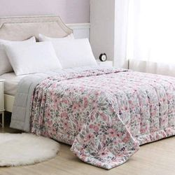 Cardinal home charisma Reversible Down Alternative blanket Floral Pink (Queen) for Sale in Menifee,  CA