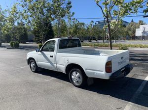 Toyota Tacoma 5spd for Sale in Belmont, CA