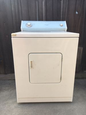 Whirlpool dryer FREE for Sale in Fresno, CA