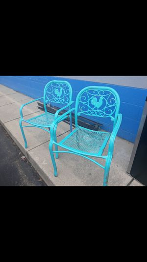 2 metal chairs for Sale in High Point, NC