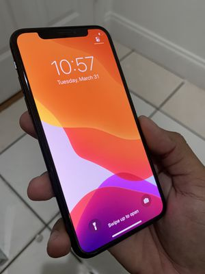 iPhone X UNLOCKED for Sale in Fort Lauderdale, FL