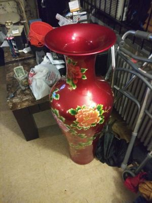 Chinese vase u can throw me a price but not lower then $50 for Sale in Philadelphia, PA