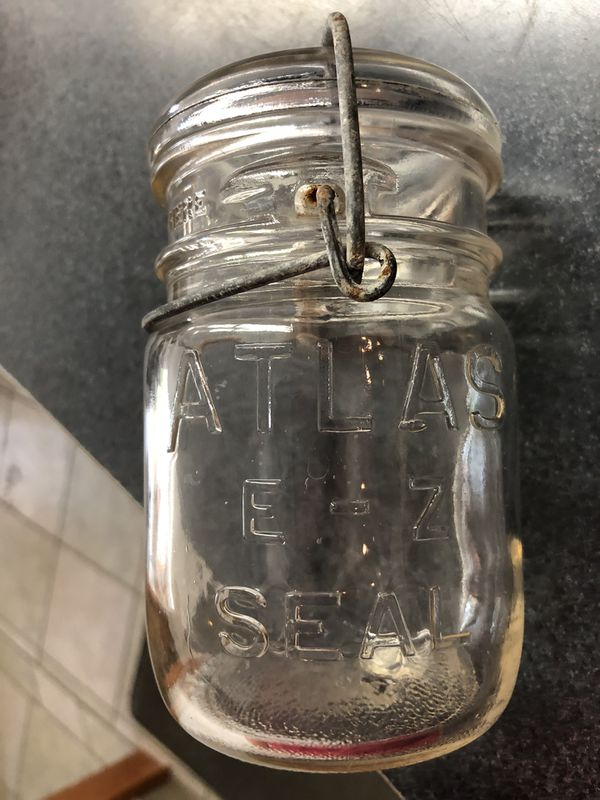 Vintage Atlas E-Z seal Glass Jar with lid - Pint for Sale in Griswold, CT -  OfferUp