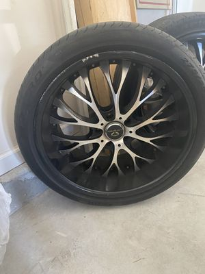 "20"" Staggered Lorenzo Rims for Sale in Middleburg, FL"